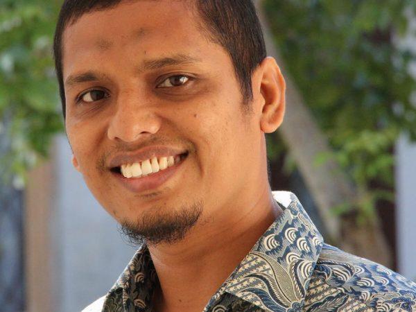 IMAN DAN ILMU PENGETAHUAN (Dr. rer. nat. Ilham Maulana, S.Si)